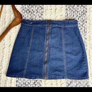 3/$30 forever 21 mini skirt zipper front